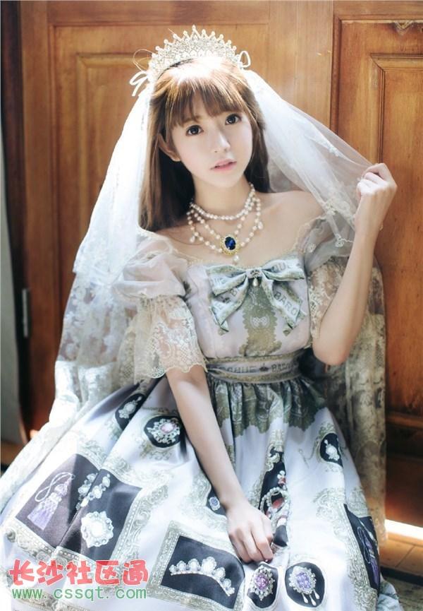 韩国美女yurisa晒最新美照 宫廷萝莉范高贵可爱