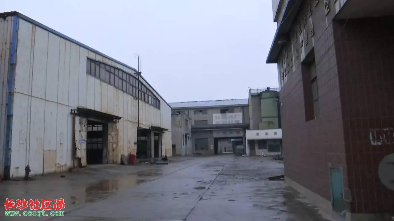 江苏南通通州石港厂区找到男子在尸体失踪池中废弃同事惠州市机械v厂区培训班图片