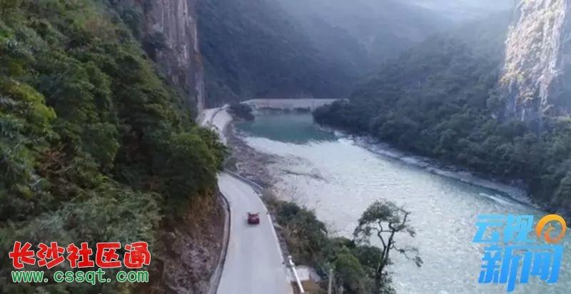 段已经通车,而西藏境内滇藏界至西藏林芝察隅县竹瓦根镇的公路改建